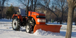Snow cleaning with a minitractor