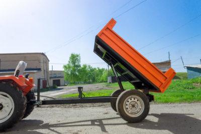 Полуприцеп тракторный самосвальный П-03М